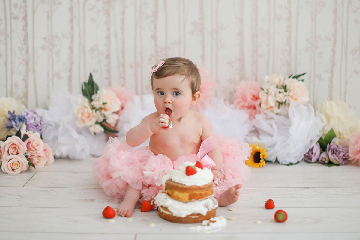 cake smash pink tutu photography