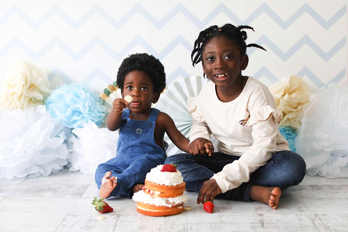 cake smash brother and sister