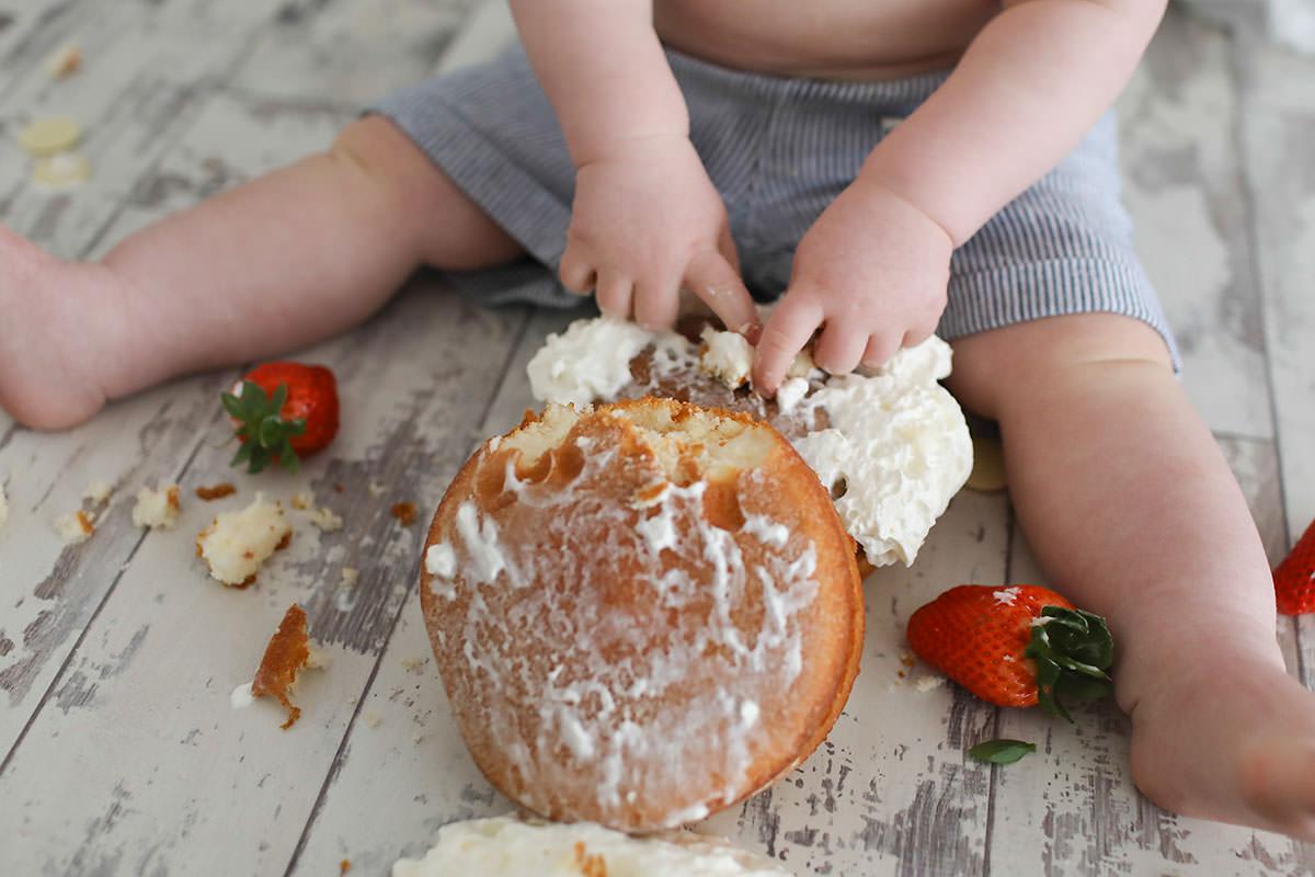 cake smash Victoria sponge cake