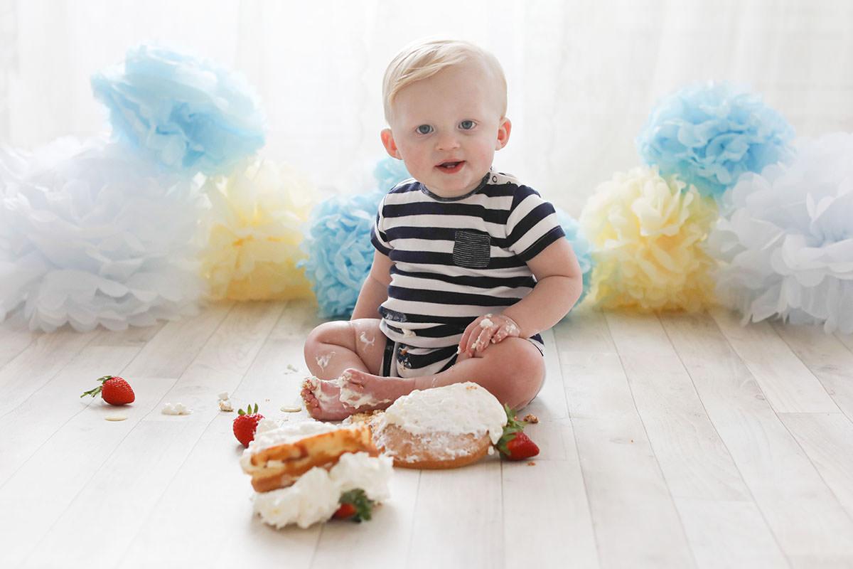 cake smash little boys birthday