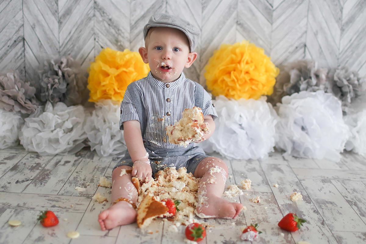 cake smash flat cap photography