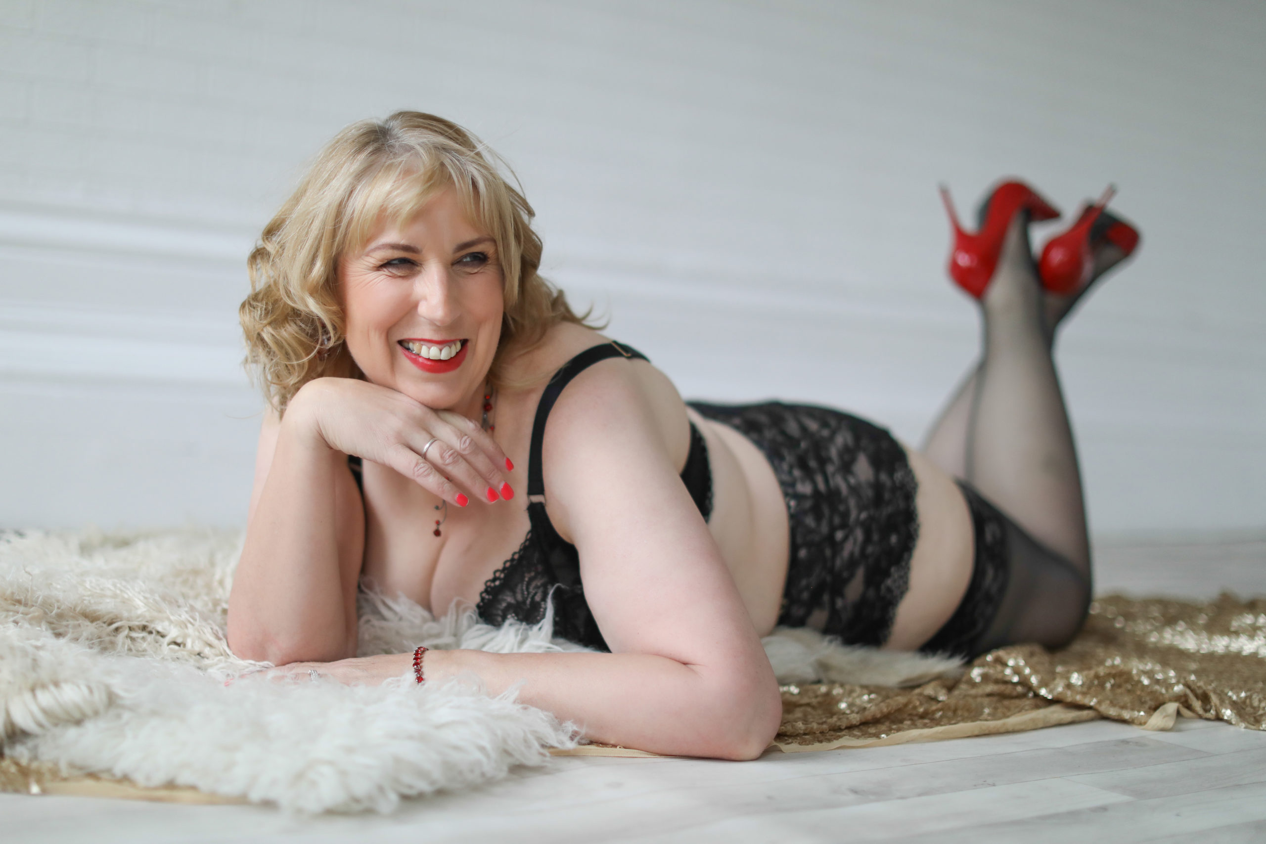 boudoir photography red shoes red lips